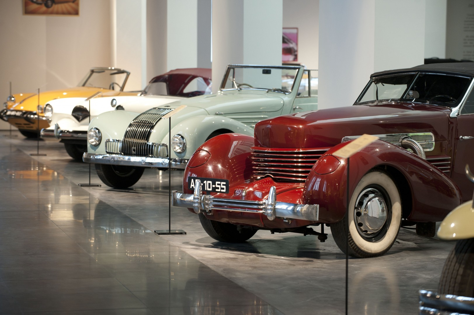 Automobile and Fashion Museum